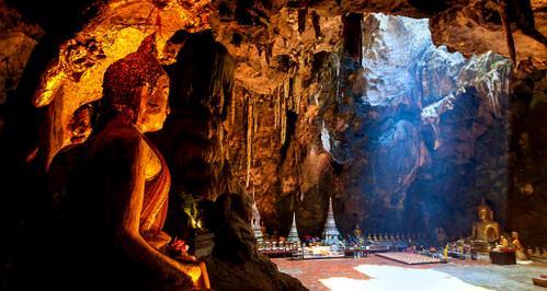 grotte-de-khao-luang-en-thailande
