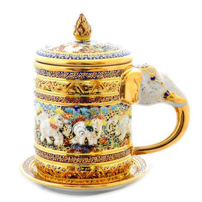 煌めく金色が美しい。「ベンジャロン焼き」はお土産に最適